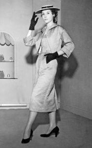 «Chevreuse», серый костюм из весенней коллекции Christian Dior London, 21 января 1954 г.