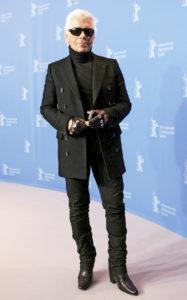 Карл Лагерфельд на фотоколле к фильму «Секреты Лагерфельда» во время 57-го Берлинского международного кинофестиваля, 10 февраля 2007 г.