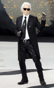 Карл Лагерфельд после шоу Chanel Fall/Winter 2013 Ready-to-Wear в рамках Парижской Недели моды, 5 марта 2013 г.