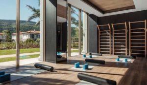 Зал для йоги на курорте One&Only Portonovi