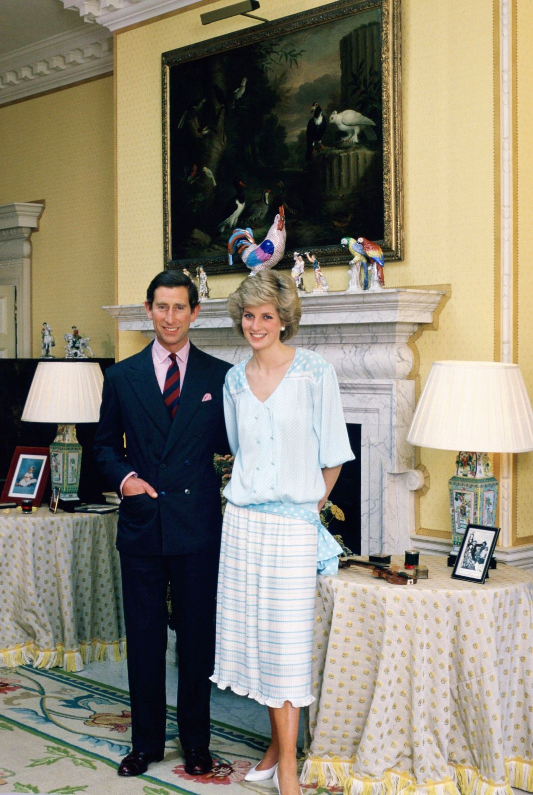 Королевская пара фотографируются в своем доме в Кенсингтонском дворце.