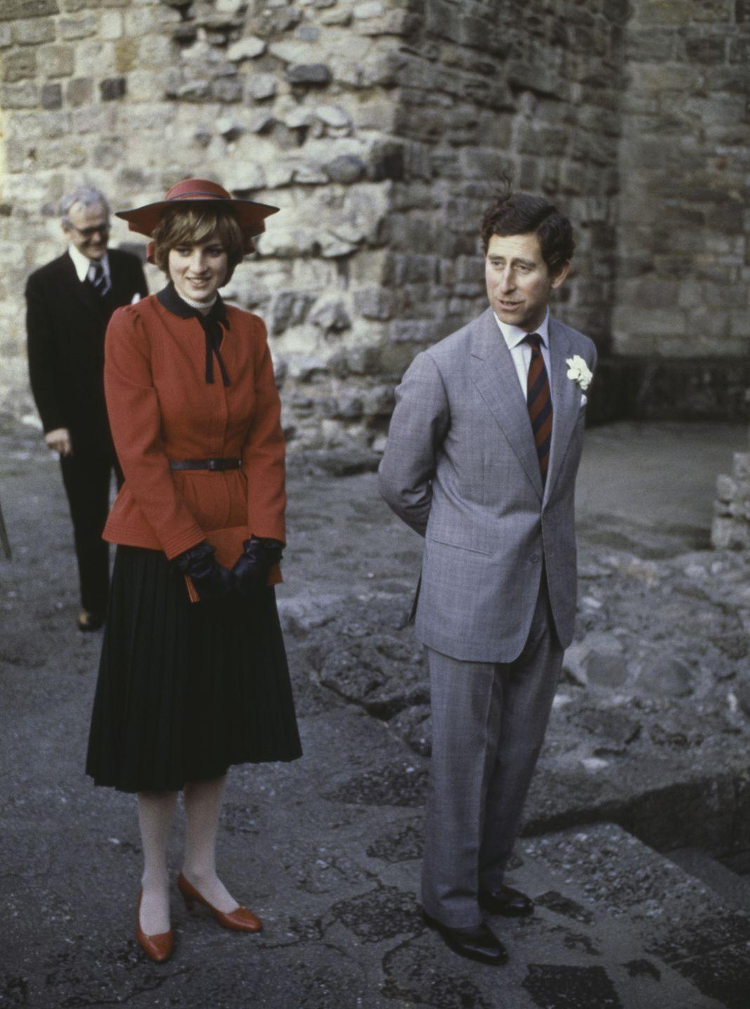 Принц Чарльз Принц Чарльз и принцесса Уэльская в замке Кэрнарвон