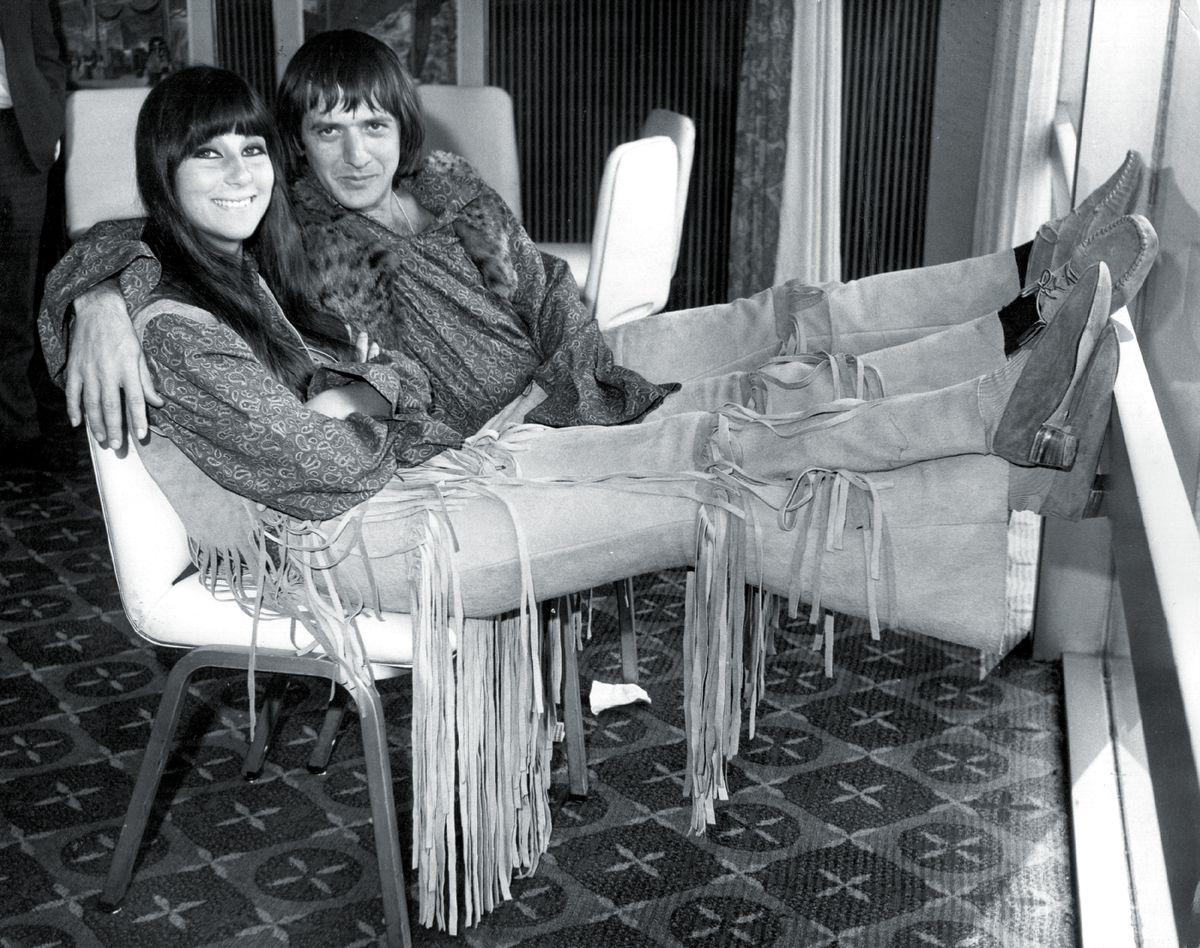 Сальваторе Боно и Шерилин Саркасян отдыхают в отеле Hilton