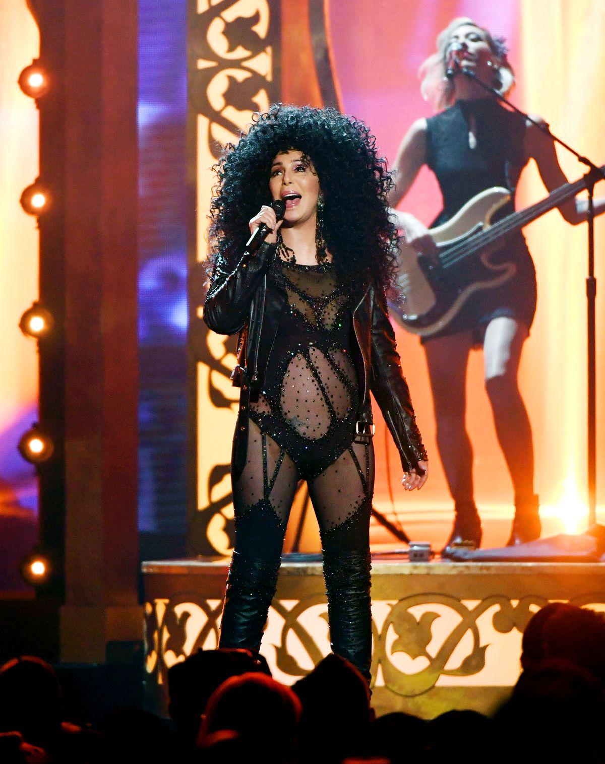Выступает на церемонии вручения награды Billboard Music Awards 2017
