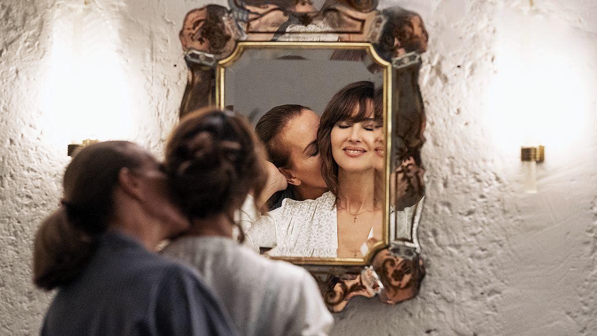 Кароль Буке и Моника Беллуччи в «Фантазиях для взрослых» и еще 9 кинопремьер осени 2021